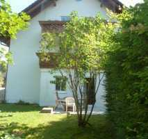 Traumhafte 2-Zimmer-Gartenwohnung mit Souterrain (Hobbykeller/Terrasse) in Trudering