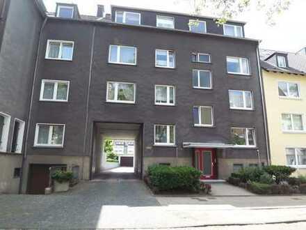 Helle, toll aufgeteilte Erdgeschosswohnung für eine WG mit 4 Bewohnern