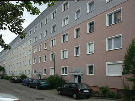 Kleine 4 Zimmer-Wohnung
