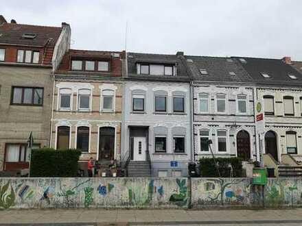 Gröpelingen! 2 Familienhaus direkt an der Bremerhavener Straße!