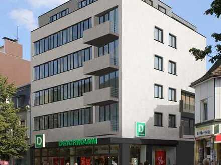 Helle Groß-Wohnung mit Hofterrasse in bester Lage.