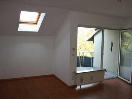 1 Zimmer DG-Wohnung inkl. PKW-Stellplatz -als Kapitalanlage