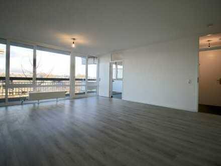 Komplett renoviertes Apartment mit neuem Bad und grossem Balkon im 4. Obergeschoss in Köln-Weiden