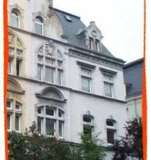 Schöne 2-Zi. Wohnung in stilvollem Gebäude
