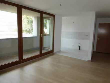 Schöne 3-Raum Wohnung mit Balkon und Tiefgarage in Lichtenstein