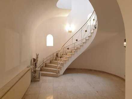 Großzügiges Haus mit viel Wohnfläche und Büro, ideal für Arbeiten und Wohnen unter einem Dach