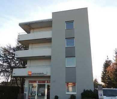 Bürgerfelde - Alexanderstraße: 3-Zimmer-Wohnung mit zwei Balkonen in verkehrsgünstiger Lage