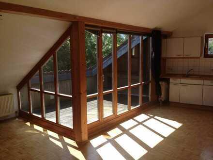 Kuschelige Dachgeschosswohnung mit Loggia in Kelheim-Affecking