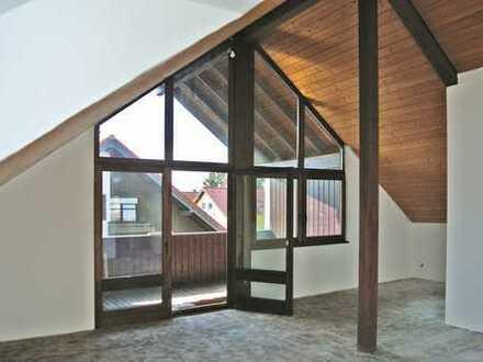 SCHÖNE HELLE 3-Zi- DG-Whg., ca. 95 m²Wfl., Balkon, Garage