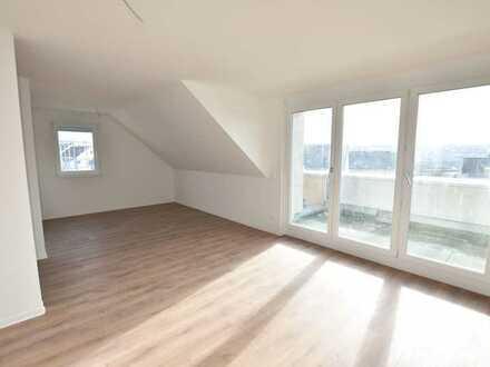 WOHNEN AM HANG +++ Schicke 3 Zi. Dachgeschosswhg. im Neubaugebiet von Altbach +++ ERSTBEZUG