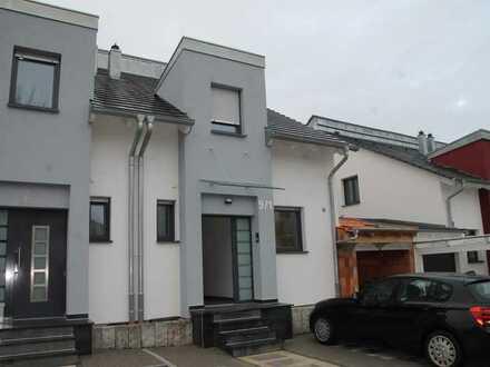 Freundliche Doppelhaushälfte zur Miete in Neuenstadt am Kocher, Neuenstadt am Kocher