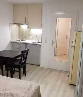 Top sanierte 1-Zimmer-Wohnung (Nr. 6) mit Küche, Bad, Diele und Balkon nahe S-Zentrum