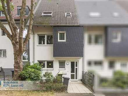 Schönes Einfamilienhaus mit Garten und Garage in Ostheim