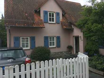 Schönes, geräumiges Haus mit drei Zimmern in Hochtaunuskreis, Friedrichsdorf