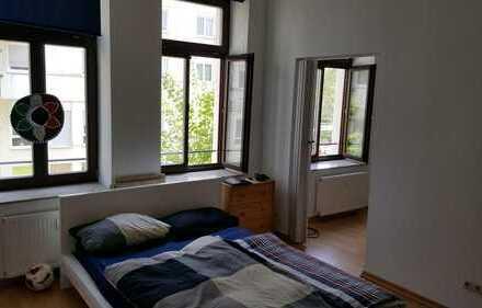 Riesige 1,5 Zimmer in großer und super zentraler 2er-WG! Auch für ein Paar! 5 Min. Fußweg zum Hbf, A