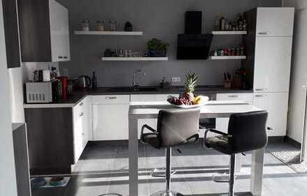 Erstbezug! Wohnung in Zweifamilienhaus in Baesweiler/Kloshaus mit Garage