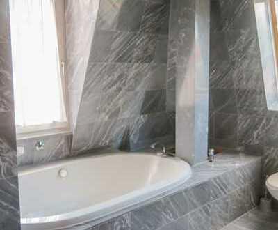 Sanierte 4,5-Zimmer-Maisonette-Wohnung mit Balkon und Einbauküche in Kempten (Allgäu)