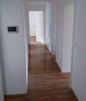 Ruhige 3-Zimmer-EG-Wohnung mit Terrasse und EBK in Kümmersbruck. = Provisionsfrei=