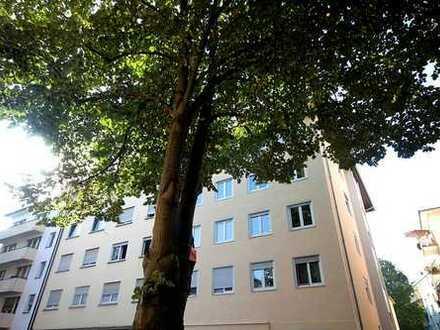 Fairmieten – Nähe Waldpark in zentraler Lage: Renovierte 2-Zimmer-Wohnung mit Einbauküche