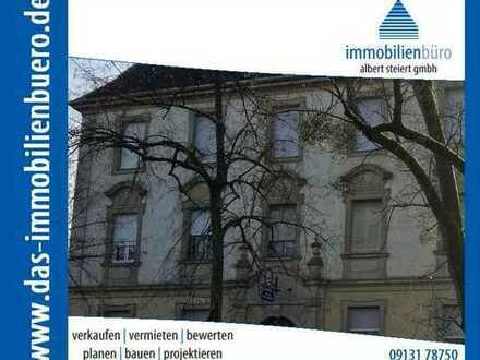 Ehemaliges Justizgebäude mit Potenzial auf großem Grundstück