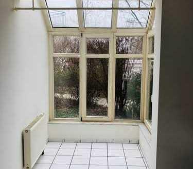 Zauberhafte Wohnung mit Wintergarten
