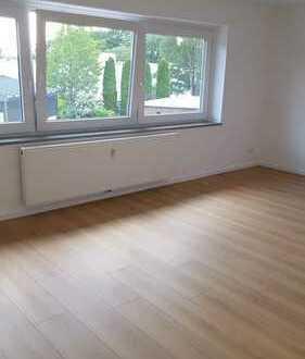 Vollständig renovierte 4-Zimmer-Wohnung mit Balkon in Oldenburg, Ofenerdiek