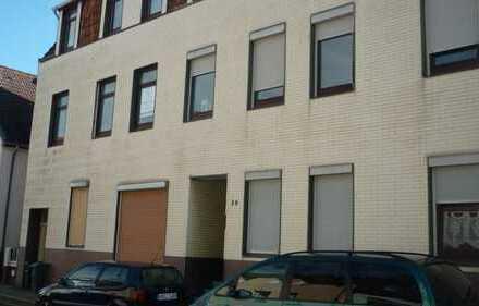 ruhiges Wohnen in Wulsdorf: 3 Zimmer Wohnung in einer Seitenstraße