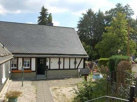 Hilchenbach Dahlbruch: Gemütliches kleines Landhaus mit kleinem Garten zu vermieten!
