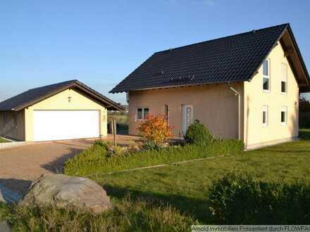 Niedrigenergie EFH zur Nutzung mit Doppelgarage in ruhiger Lage in 01774 Klingenberg