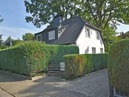 Doppelhaushälfte mit kleinem Garten in gehobener Wohngegend von Wellingsbüttel