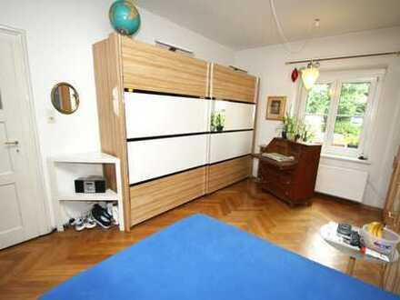 Möbiliertes Zimmer in Giesing nur an männliche Person zu vermieten.