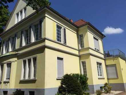 4,5 Raum-Wohnung mit Balkon, großzügig geschnitten