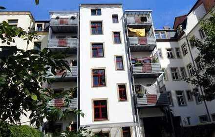 sonnige 3 Zimmer-Wohnung im Herzen der Neustadt mit Balkon