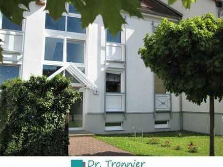 Attraktive 3-Zimmer-Wohnung mit Balkon, Laminat und Einbauküche