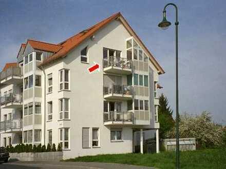 Exklusive, gepflegte 2,5-Zimmer-Maisonette-Wohnung mit Balkon, Tiefgarage und EBK in Winnenden
