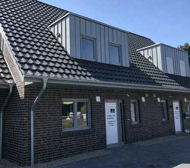 Erstbezug: KfW 55 Reihenmittelhaus mit vier Zimmern in Sandkrug