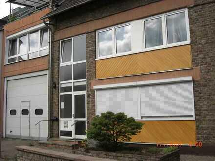 Direkt am Rhein, gepflegte 4-Zimmer Wohnung mit Balkon in Wesseling-Mitte