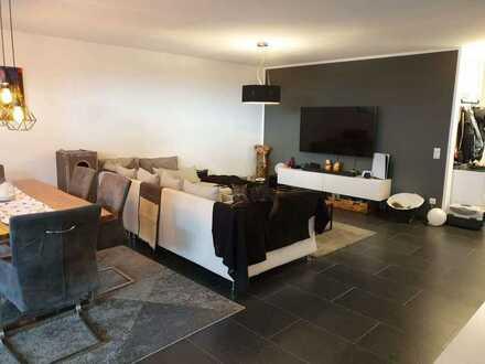 Stilvolle, neuwertige 3-Zimmer-Wohnung mit Terrasse und EBK