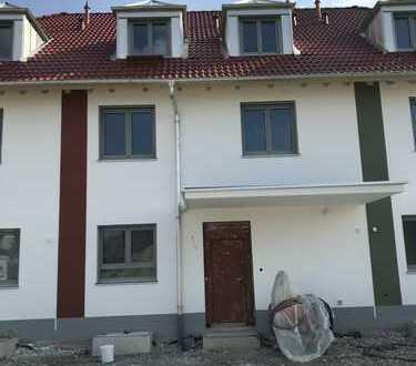 Schönes, geräumiges Reihenmittelhaus mit fünf Zimmern in Türkheim