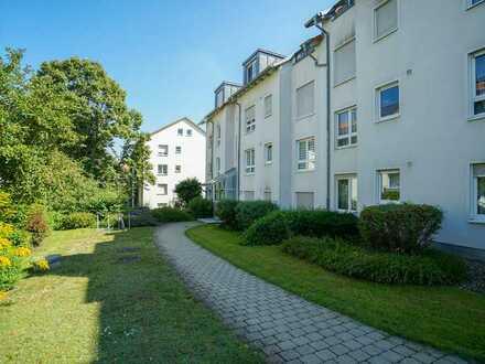 Gepflegte 3-Zimmer Wohnung mit Loggia und Gartenanteil