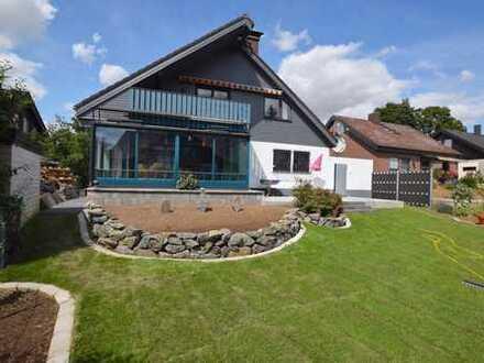 *Provisionsfrei* Schönes, großzügiges Einfamilienhaus mit großem Garten in familienfreundlicher Lage