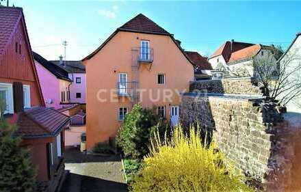 Idyllische DG. Wohnung in historischer Altstadt von Ottweiler