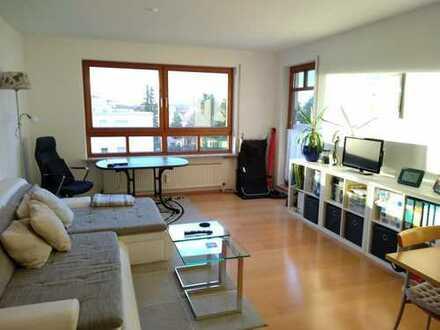 Sehr schöne und helle 3-Zimmer-Wohnung in zentrumsnaher Lage