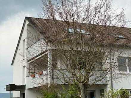 4,5 Zimmer-Wohnung mit Balkon und wunderschönem Blick in ruhiger Lage