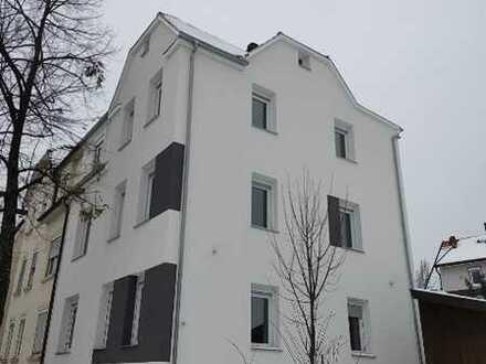 Schönes 3-Familien-Haus in Pfullingen, komplett frei (Doppelhaus-Hälfte)