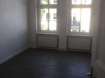 2 Zimmer Wohnung mit Balkon in ruhiger Lage - Karlshorst