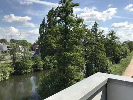 Glasbläserhöfe: Schöne 2 Zimmer-Wohnung mit Balkon und Blick ins Blaugrüne!