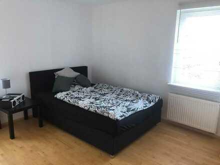 Freundliche 3,5-Zimmer-Wohnung mit Balkon und EBK in Starzach