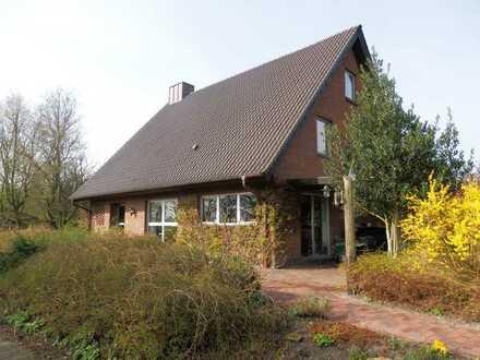 Exkl. Einfamilienhaus mit Doppelgarage