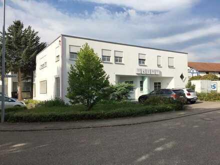 Wohn-und Geschäftshaus mit 18 Zimmern in Heimsheim Gewerbegebiet